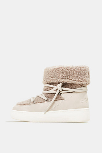 Faux sheepskin snow boots