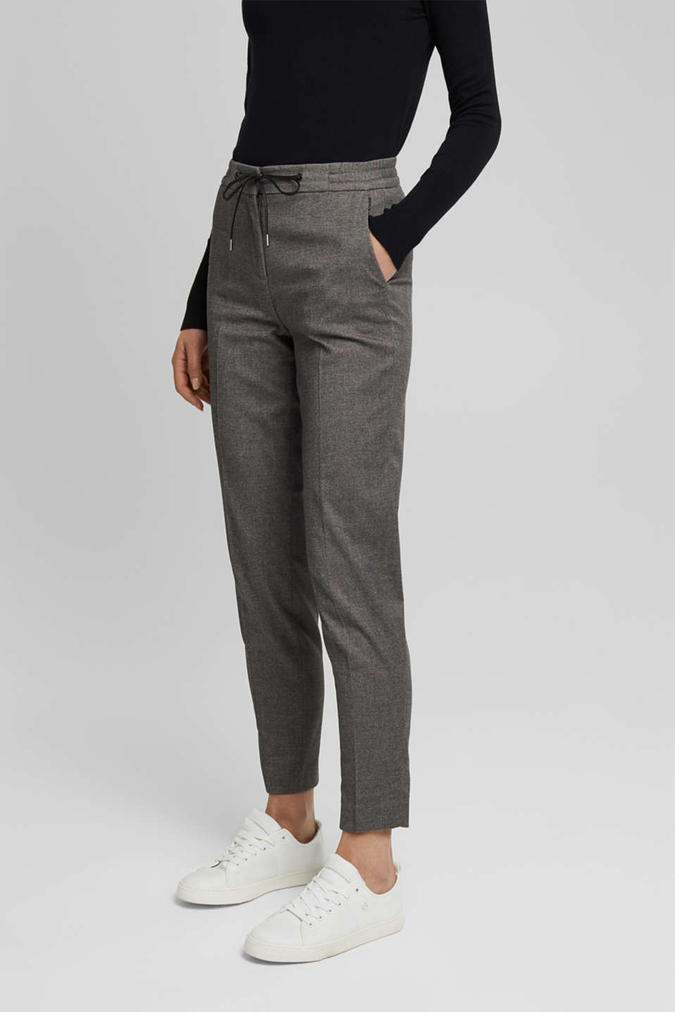 Esprit - Recycled: Tracksuit bottoms with an elasticated waistband