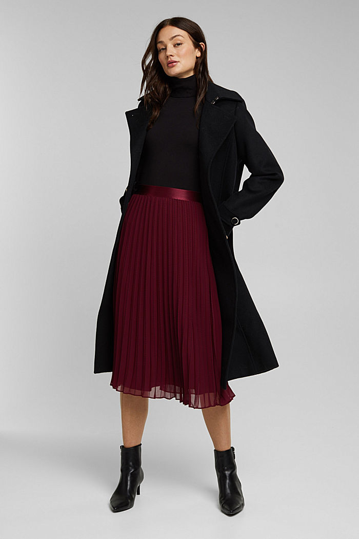 Recycled: pleated skirt with a seam print, BORDEAUX RED, detail image number 1