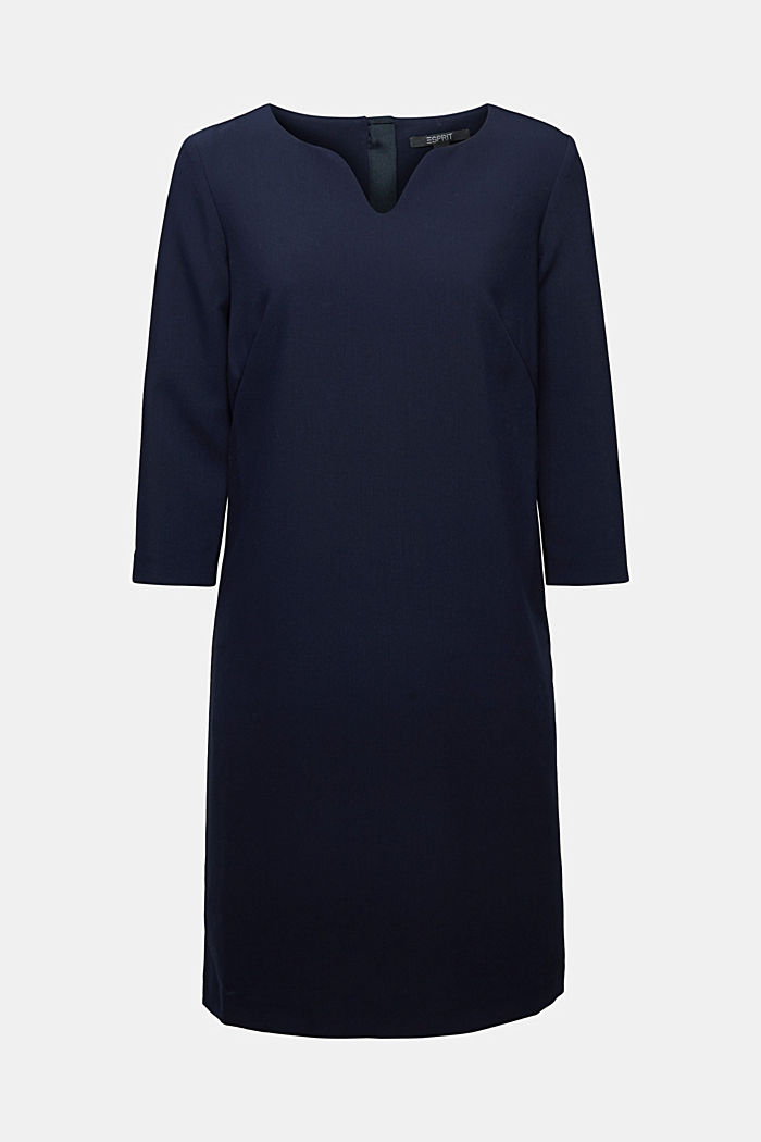 Dress with a cup neckline