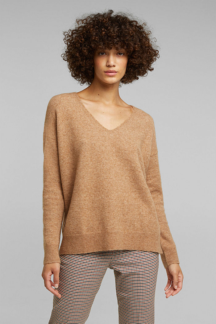 With wool and llama: V-neck jumper, BEIGE, detail image number 0