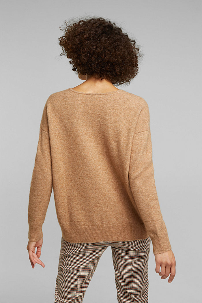 With wool and llama: V-neck jumper, BEIGE, detail image number 3