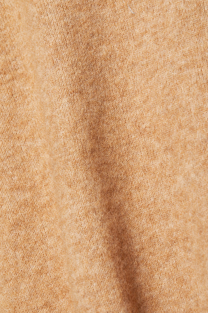 With wool and llama: V-neck jumper, BEIGE, detail image number 4