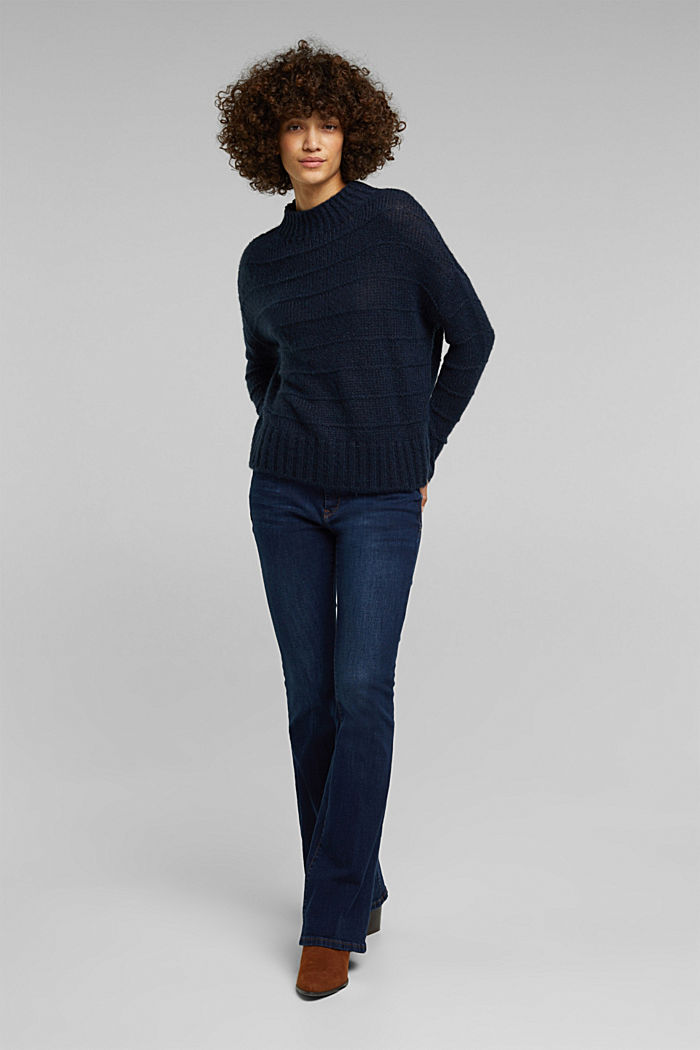 With wool and alpaca: textured jumper, NAVY, detail image number 5