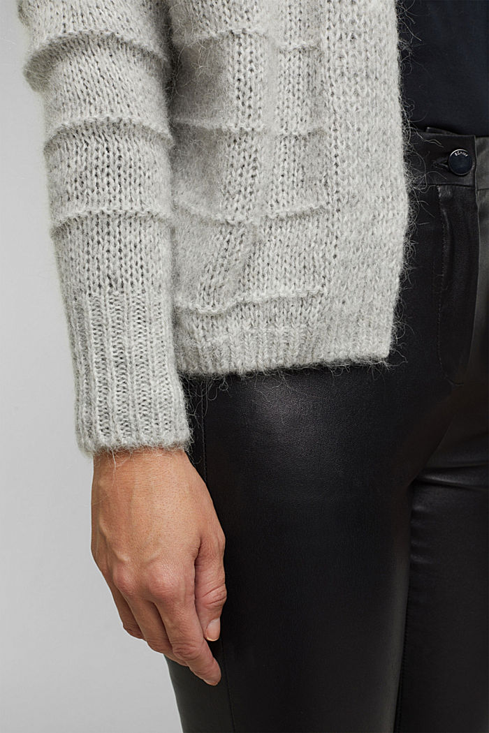 With wool and alpaca: Textured cardigan, LIGHT GREY, detail image number 5