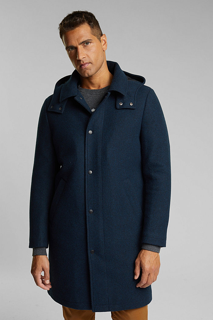 Made of blended wool: Coat with an adjustable hood