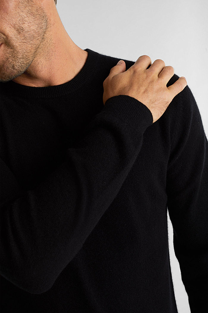 With cashmere: jumper with a round neckline, BLACK, detail image number 2