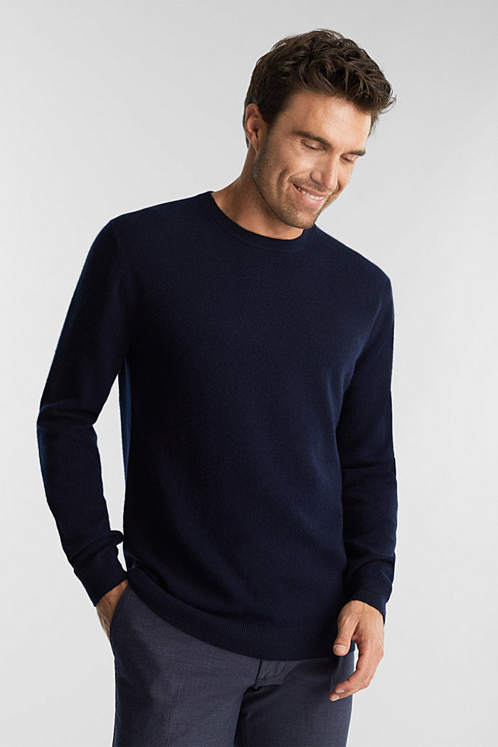 With cashmere: jumper with a round neckline