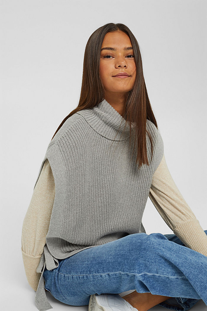 Polo neck sleeveless jumper with side ties