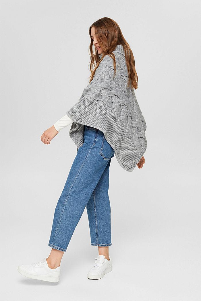 Con lana y alpaca: poncho de punto trenzado