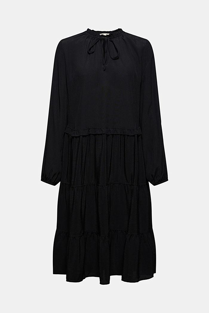 Kleid mit Rüschen und Volants