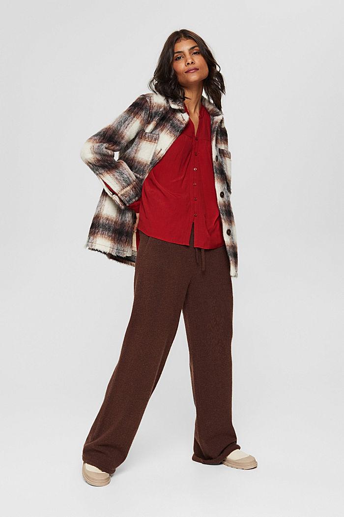 Henley-Bluse mit Rüschen, LENZING™ ECOVERO™, DARK RED, detail image number 1