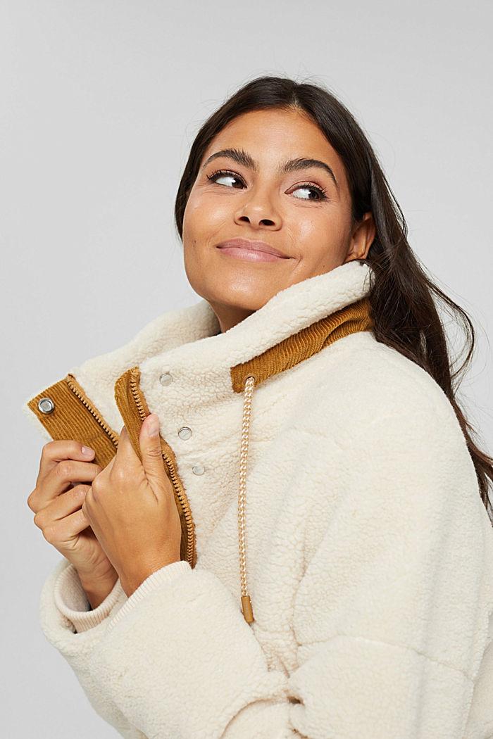 Gerecycled: gewatteerde jas van teddy