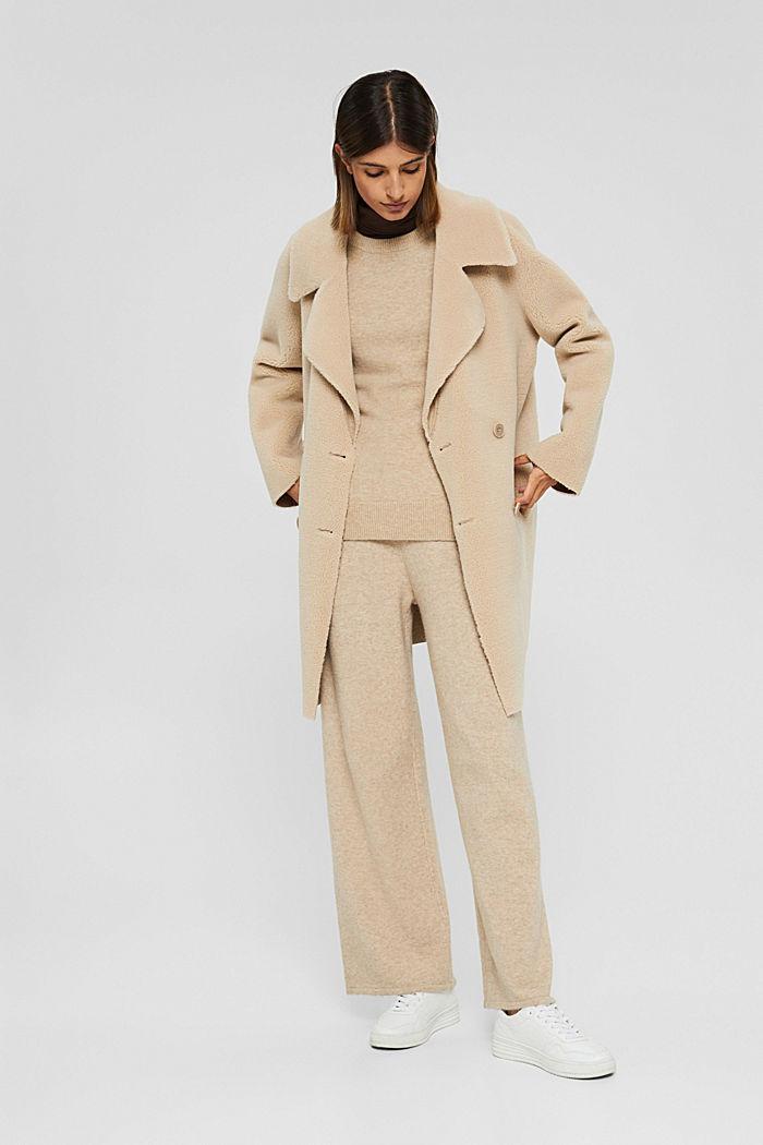 Mit Wolle: softer Rundhals-Pullover mit Melange