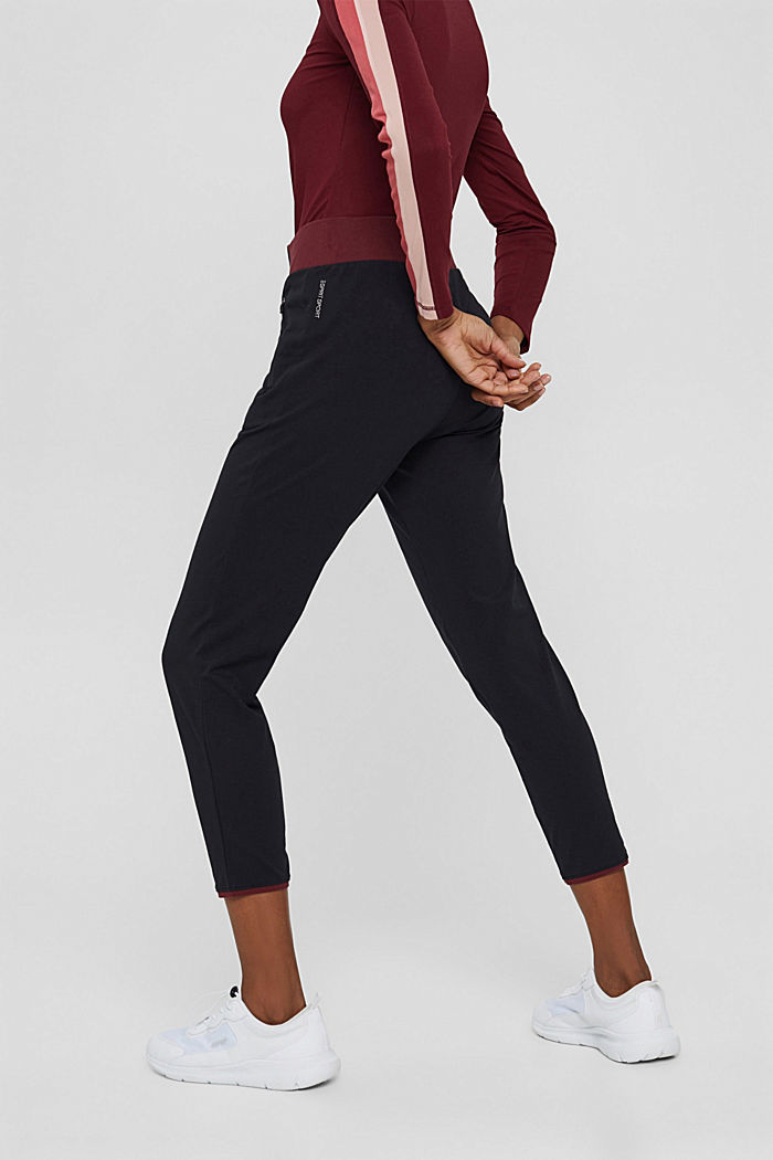Pants knitted