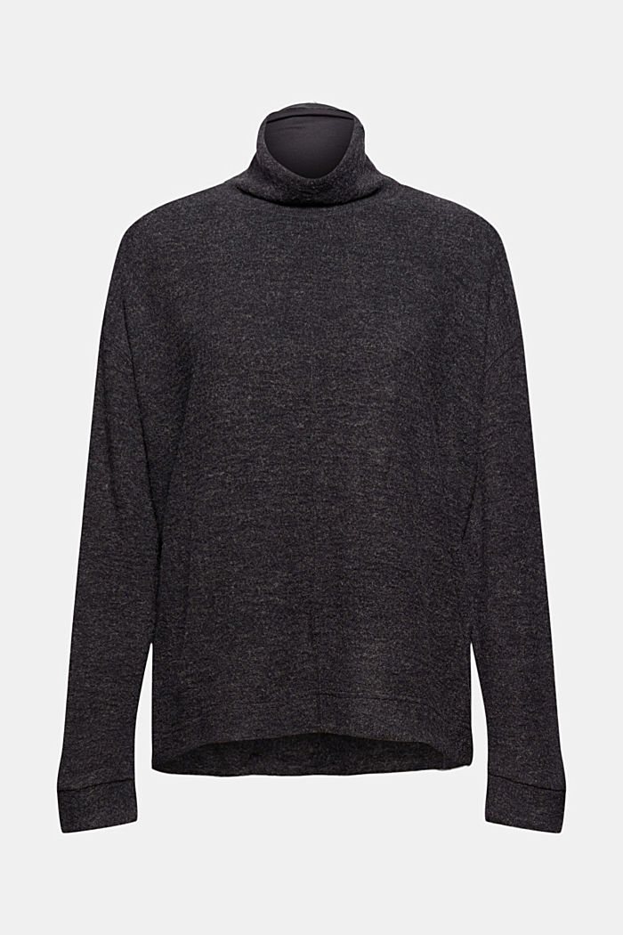 Soft and cosy jumper made of recycled material