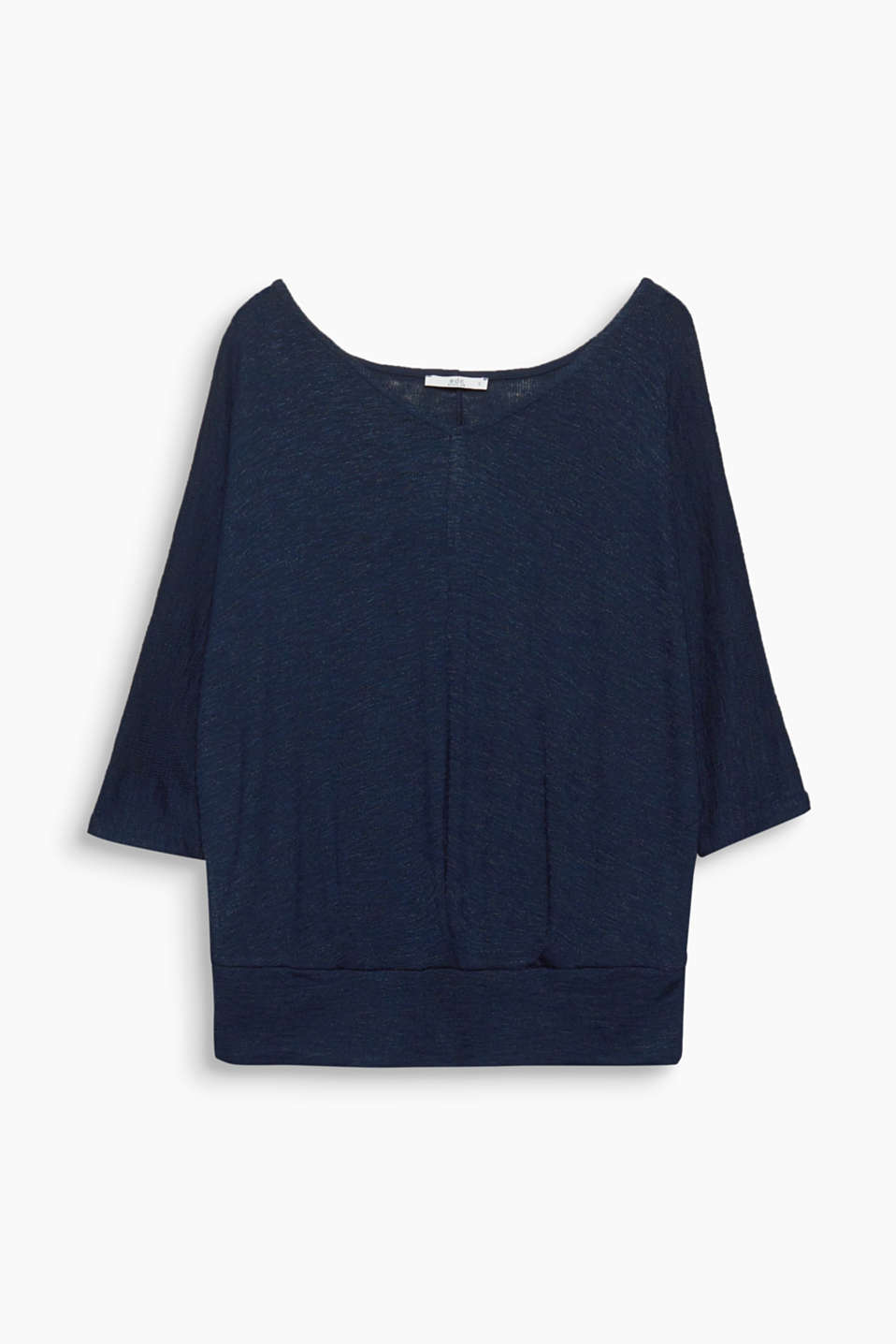 Feminine and sporty at the same time! This loose jumper stands out thanks to its batwing sleeves and hem borders.