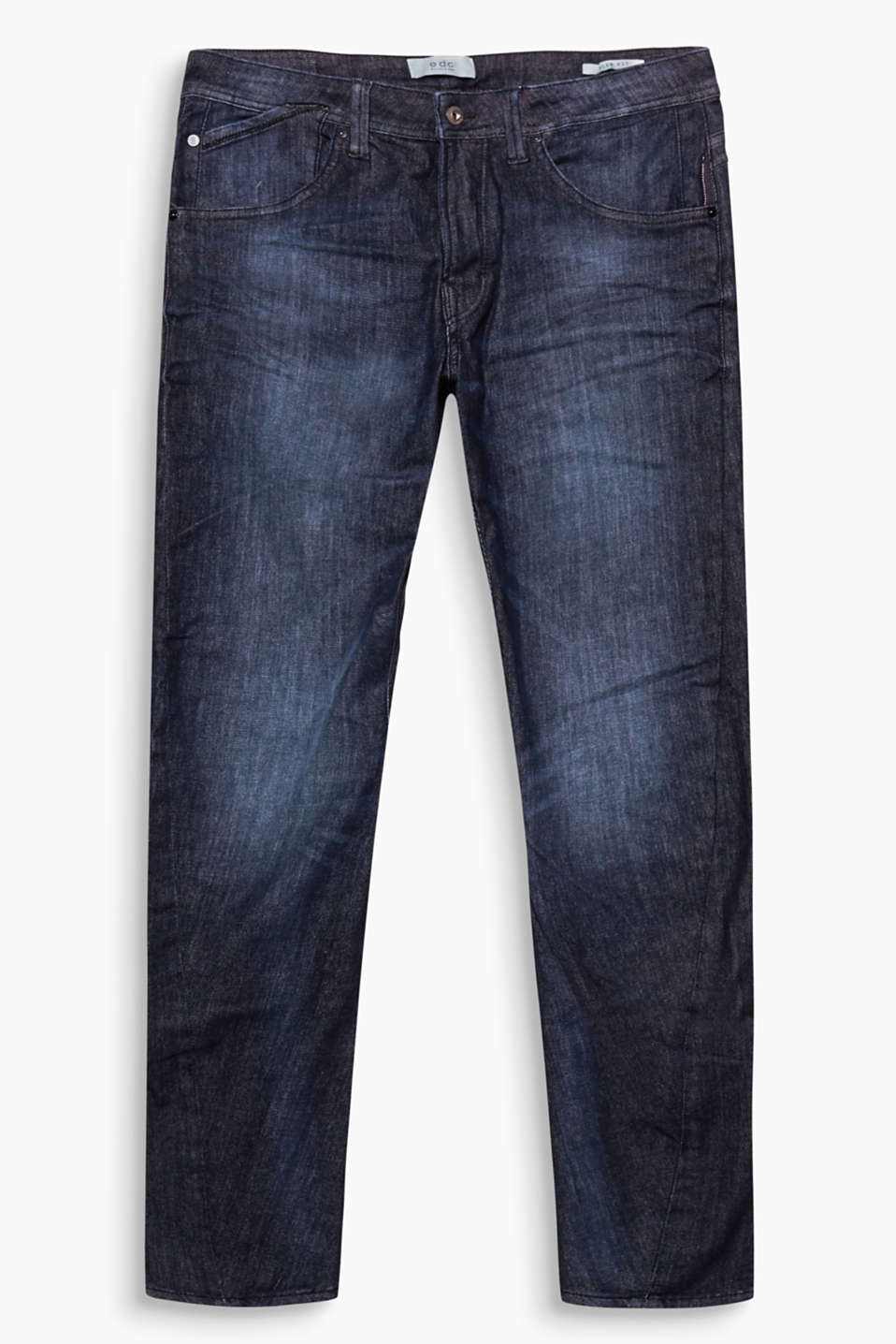 We love denim! These five-pocket jeans with organic cotton is an urban classic.