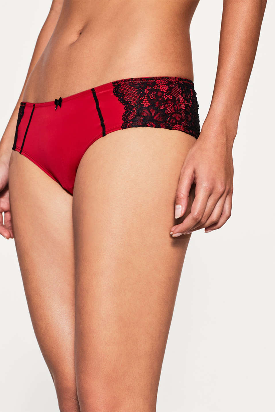 edc - Shorty bicolore orné de dentelle
