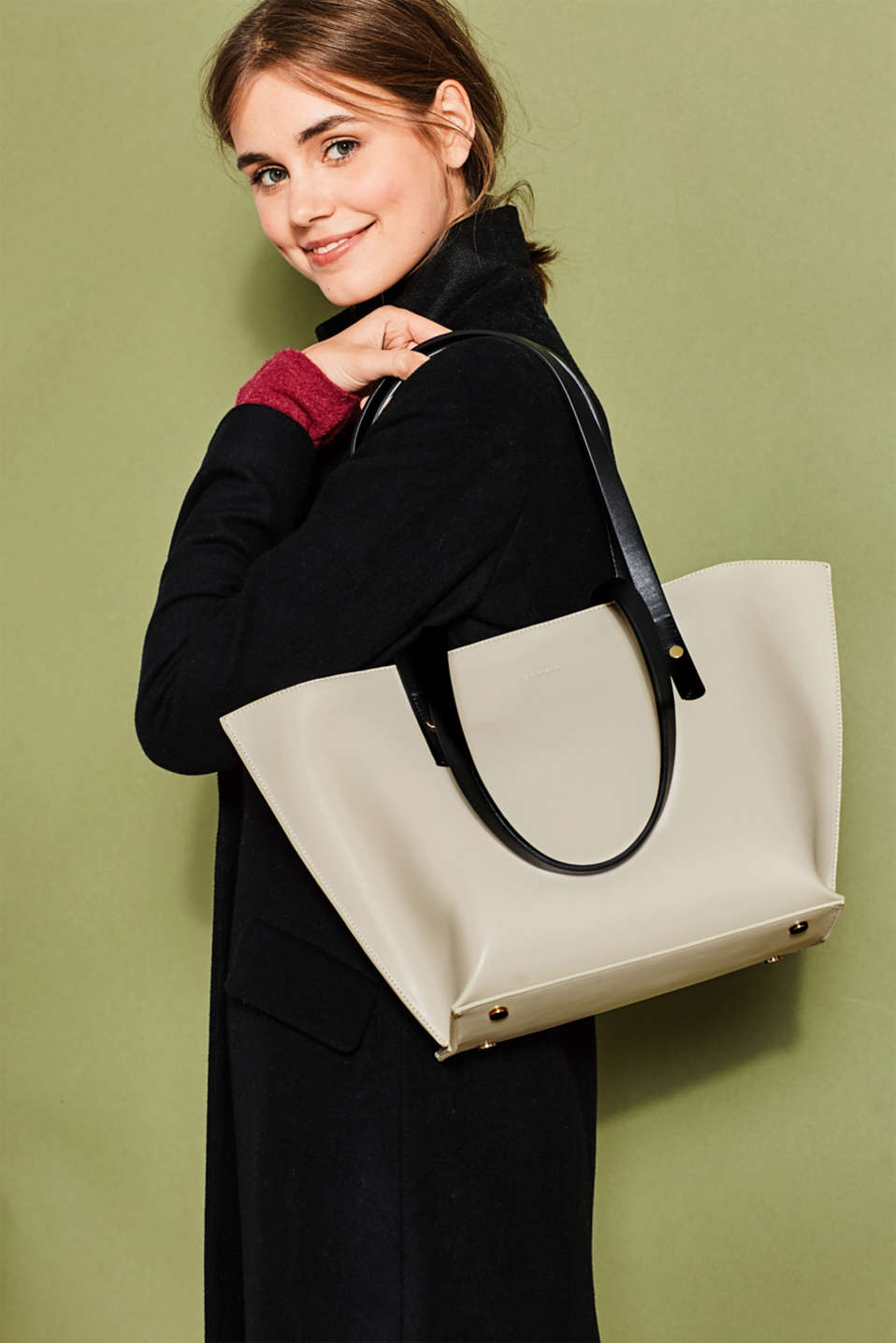 Trapezium-shaped faux leather shopper