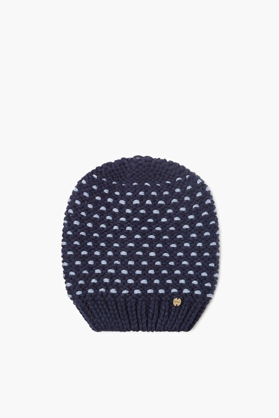 We love knitwear! This beanie is bound to impress with a striking 3D knit on both sides