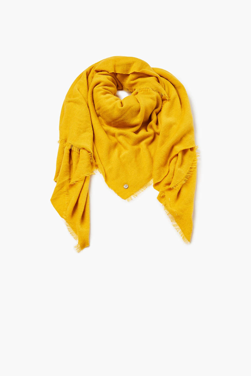 Striking trend colours and a casual look make this scarf an autumn favourite.