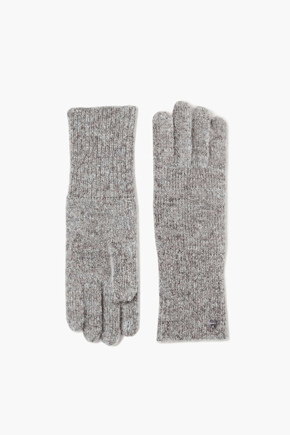 We love knitwear! These lightweight knitted gloves are a winter basic.