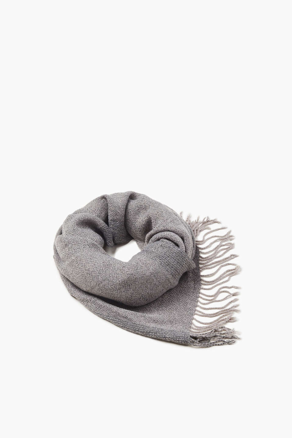 Your stylish favourite for the colder months! This finely textured scarf feels as soft as it looks.
