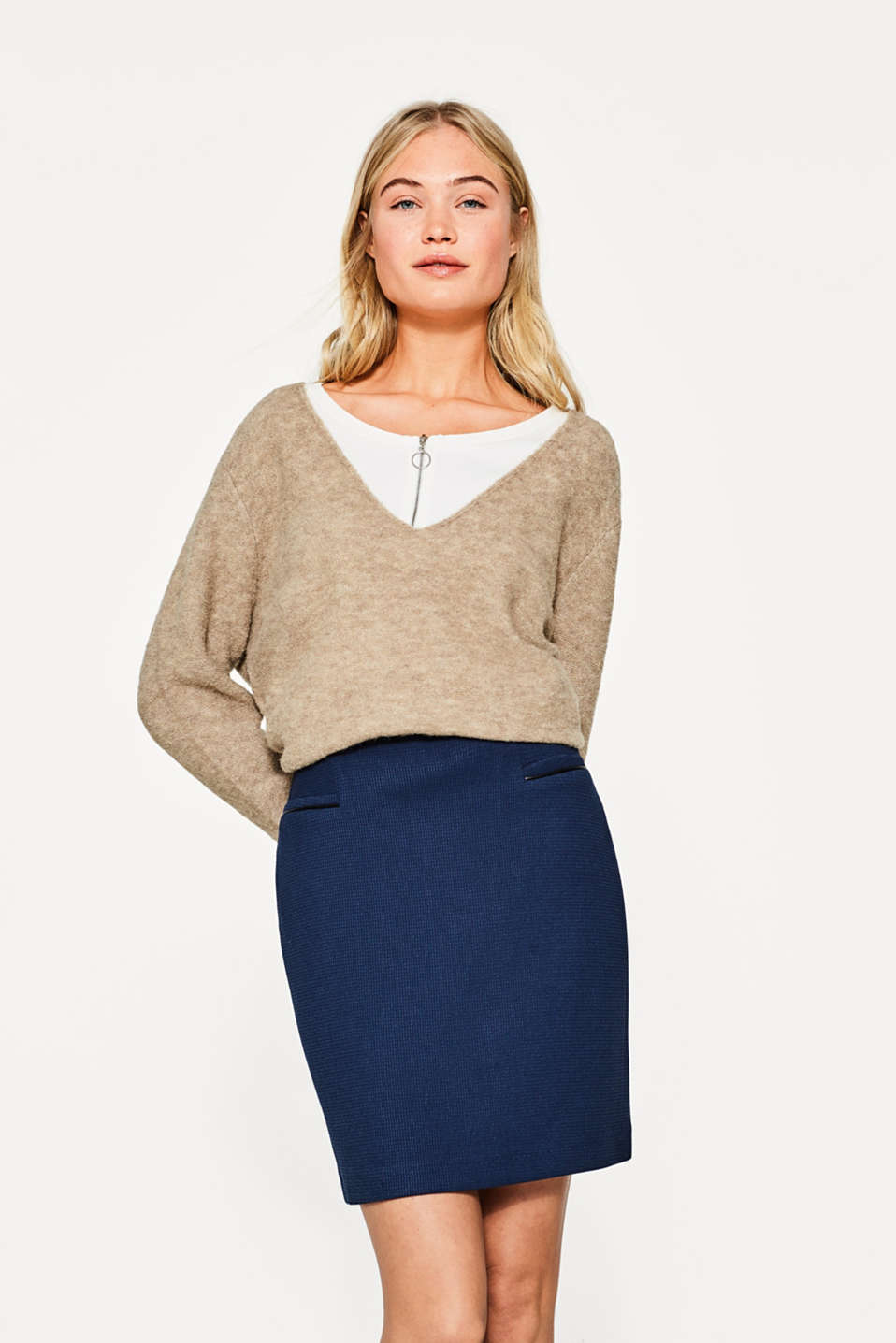 Esprit - Textured mini skirt with piped pockets