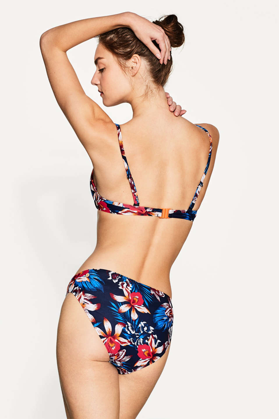 Push-up bikini top with a bright floral print