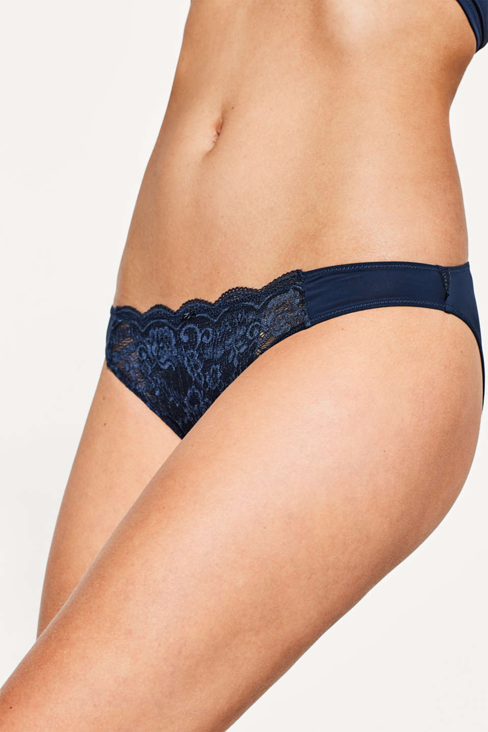 Hipster briefs with lace