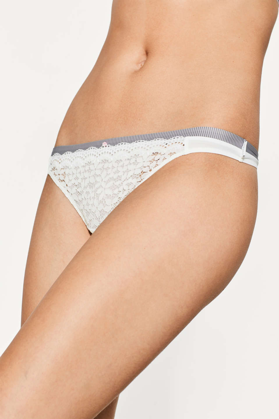 Lace and microfibre hipster thong