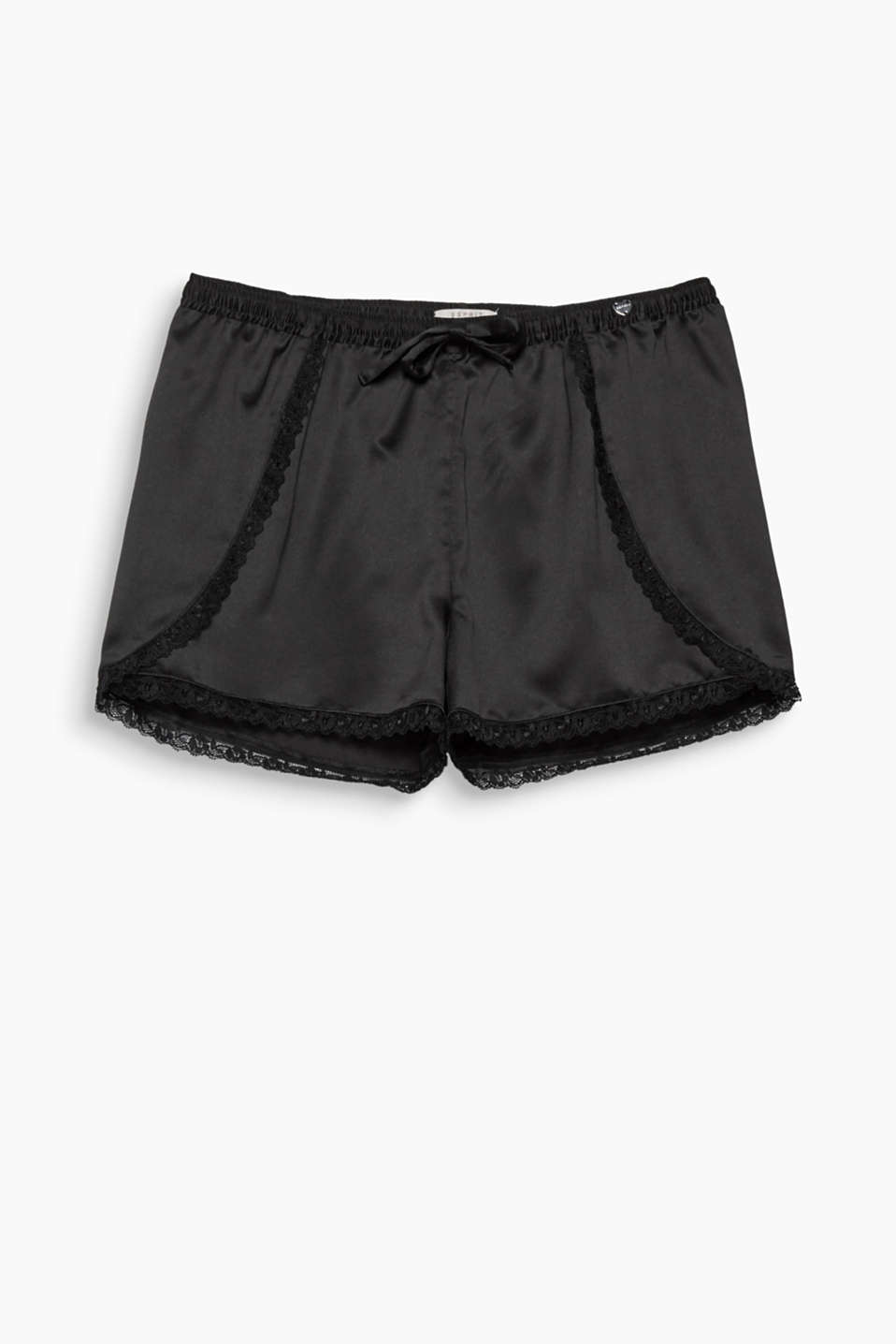 The styling of these shorts finished with appliquéd lace trims and a comfy, elasticated waistband is silky and sexy!