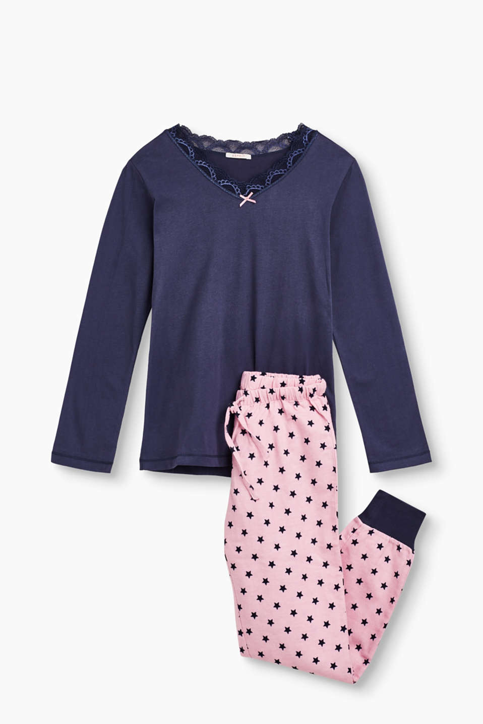 Lace detail and star pattern: these pyjamas are for playful girls