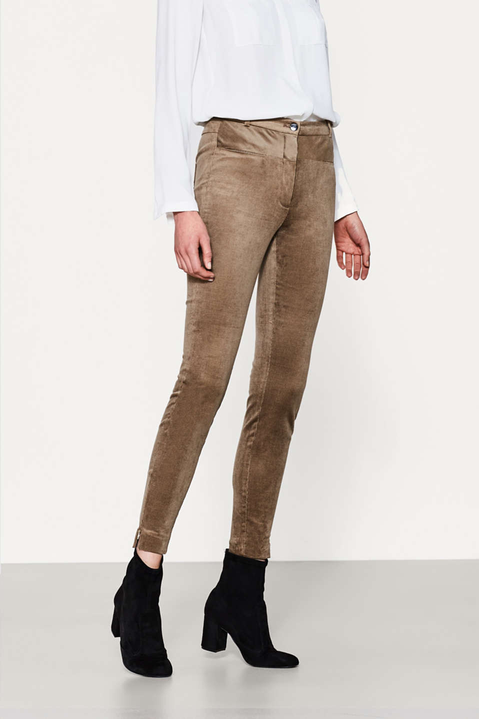Esprit - High-rise waist stretch needlecord trousers