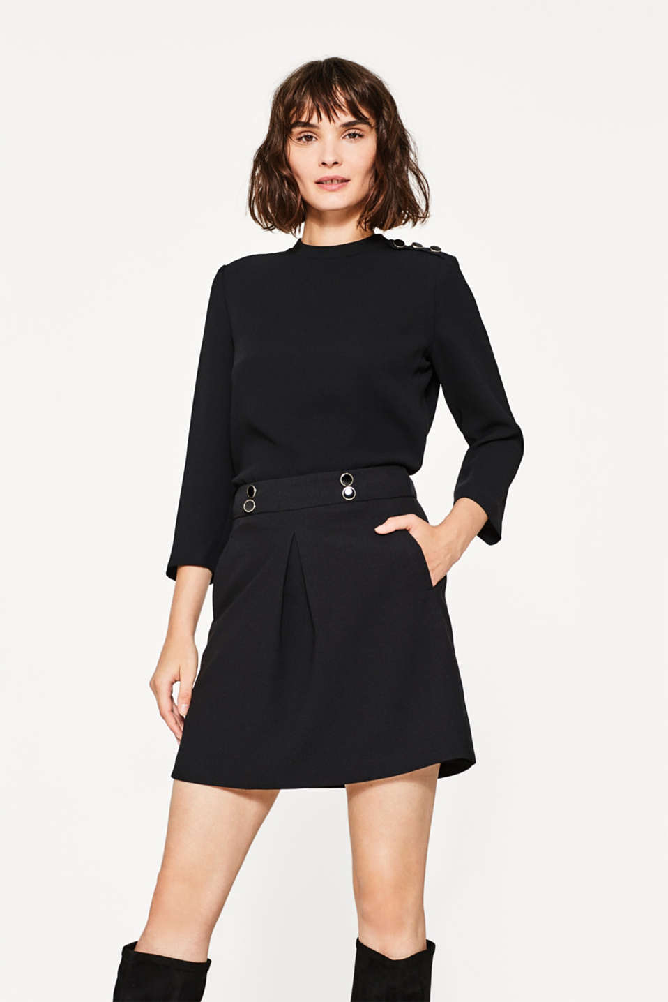 Esprit - Flared crêpe mini skirt with inverted pleat