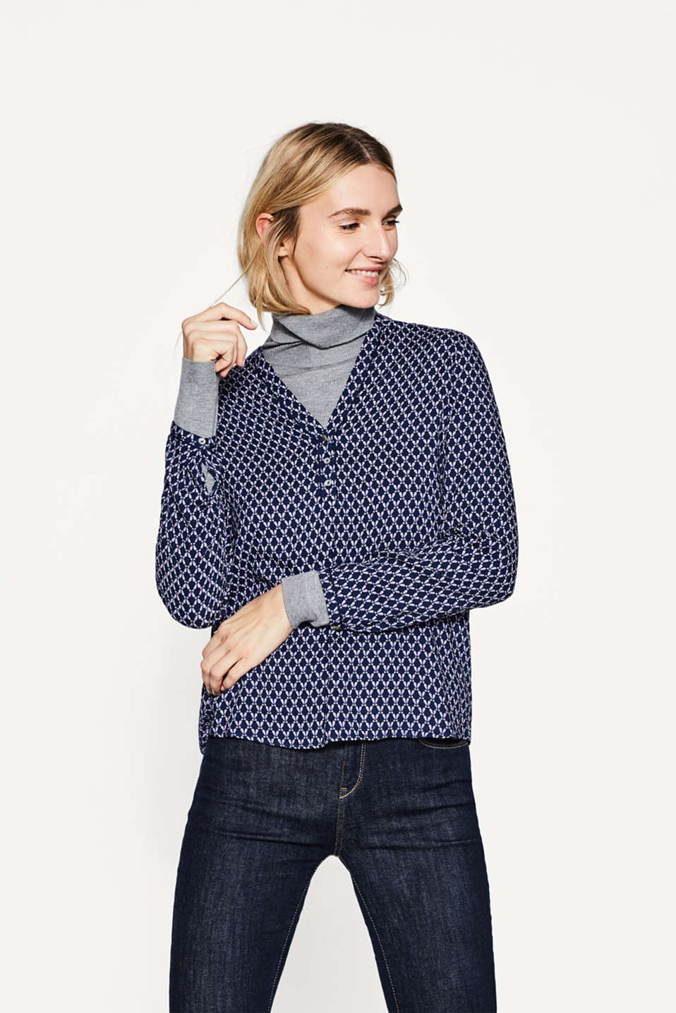 Esprit - Flowing jacquard blouse, mother-of-pearls