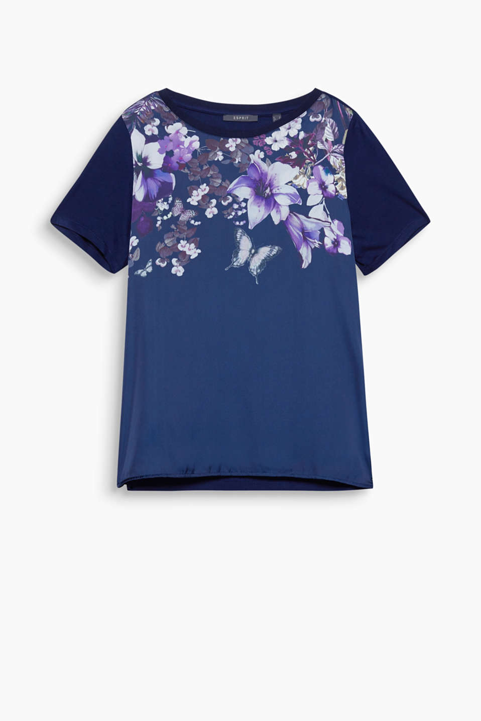 The floral print and flowing material mix give this T-shirt its elegant look.