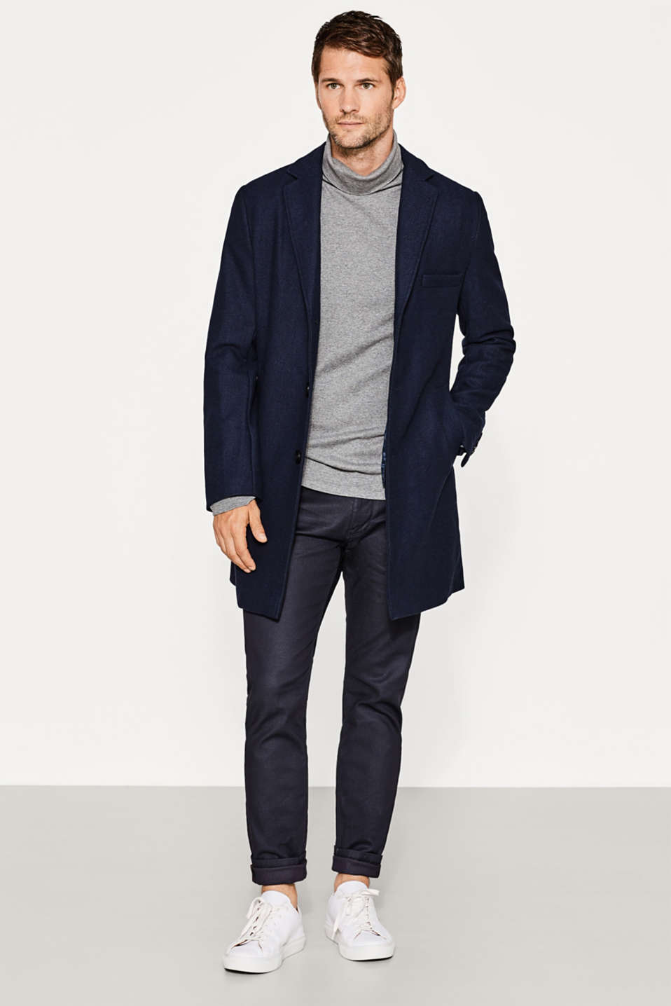 Twill coat in a wool blend with quilted insert