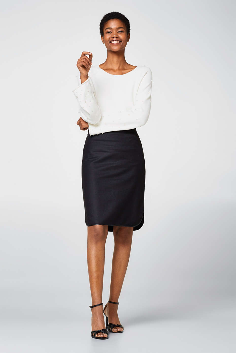 Pencil skirt with faux leather piping