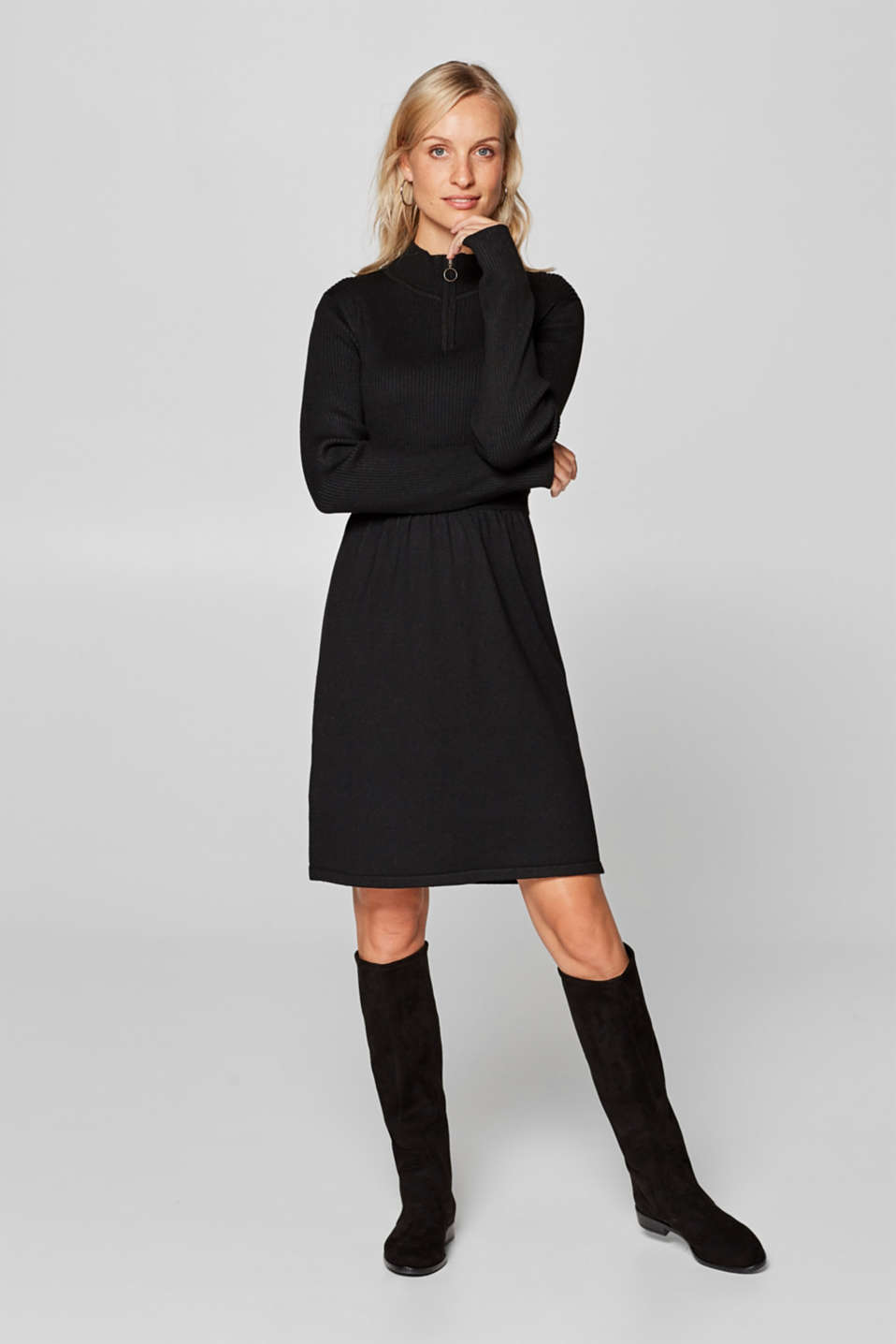 edc - Knitted dress with a zip