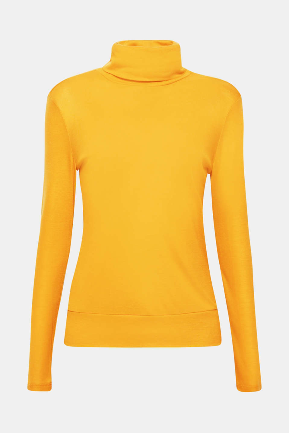 Classic polo neck with a feminine kick! The lightweight lyocell and softly draped collar make this long sleeve polo neck a sensationally snug fave.