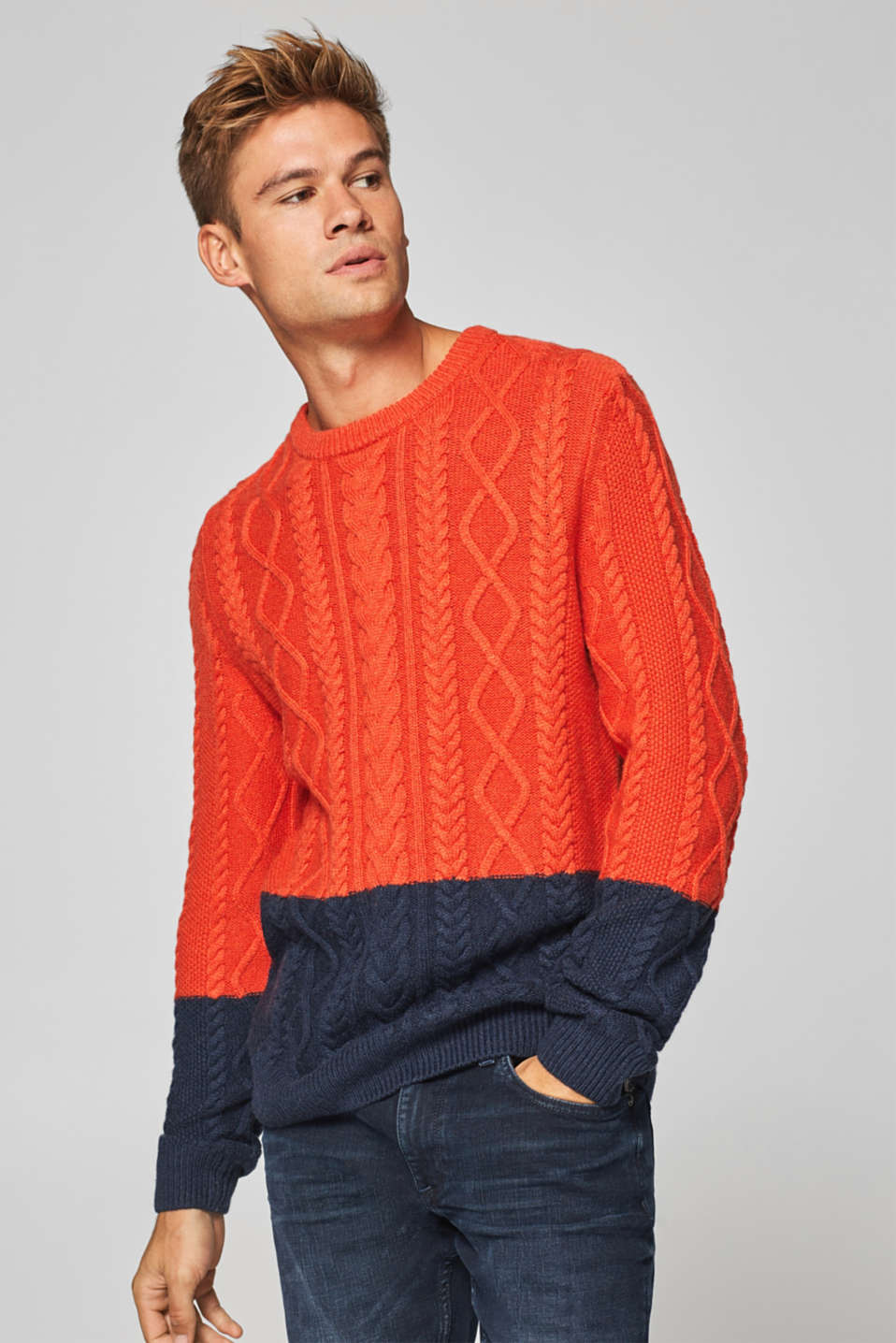 edc - With wool: jumper with a cable pattern