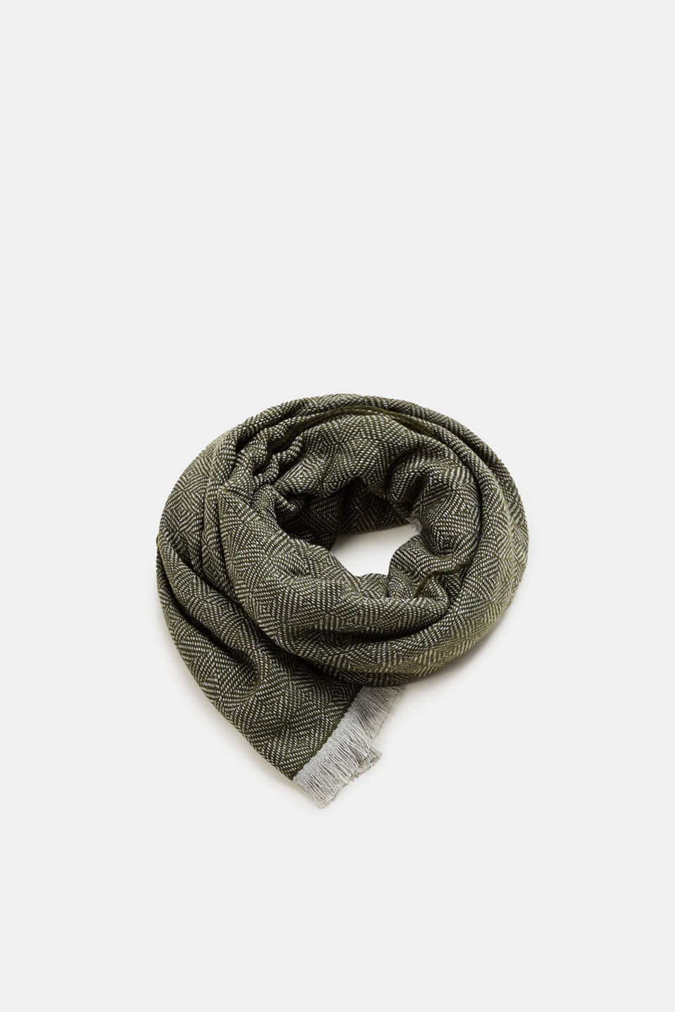 Esprit - Oversized scarf with a herringbone pattern
