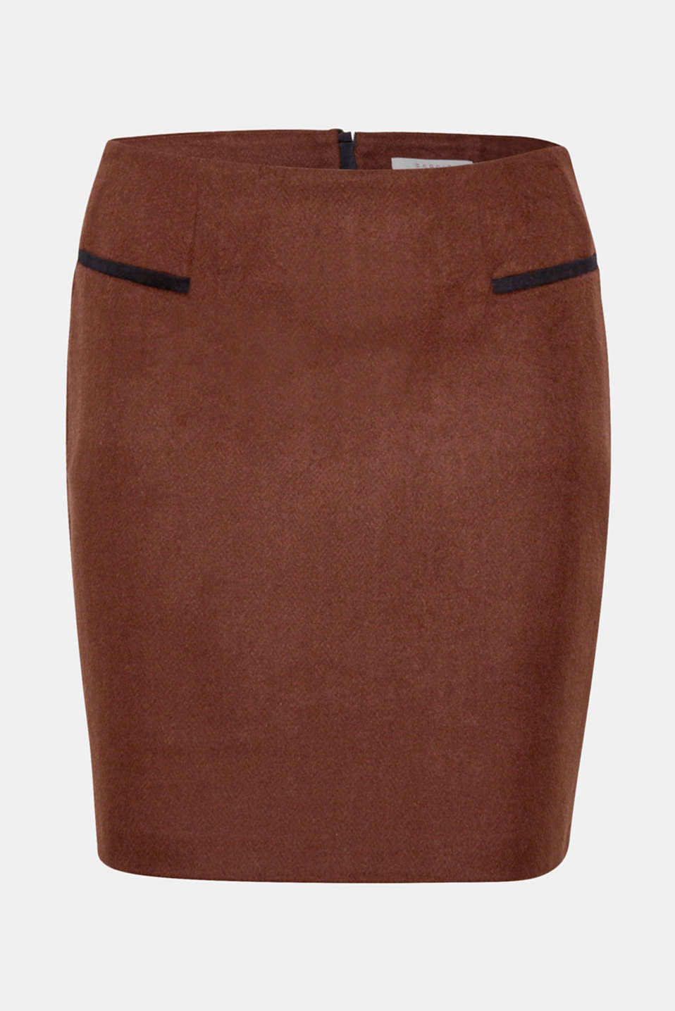 A brushed outer surface meets up with a fine herringbone pattern - a unique combination which gives this blended wool skirt with velvet trims its trendy look.
