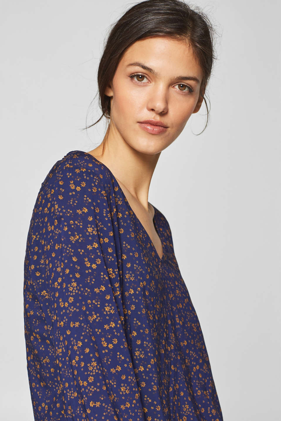 Esprit - Blouse with an all-over print and V-neckline