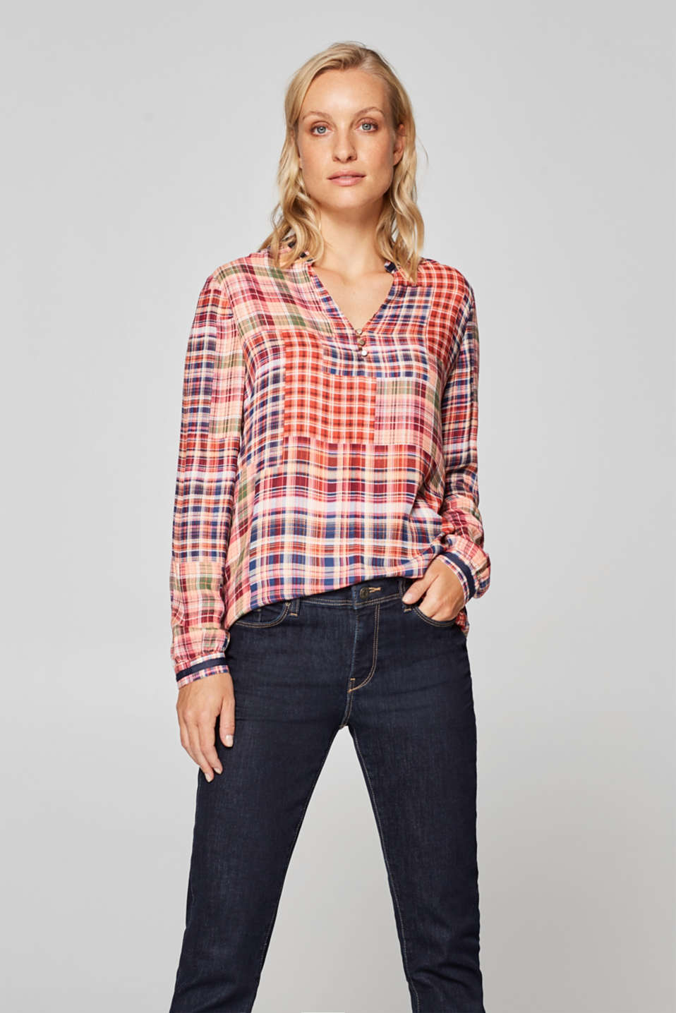Esprit - Blouse with a colourful check pattern