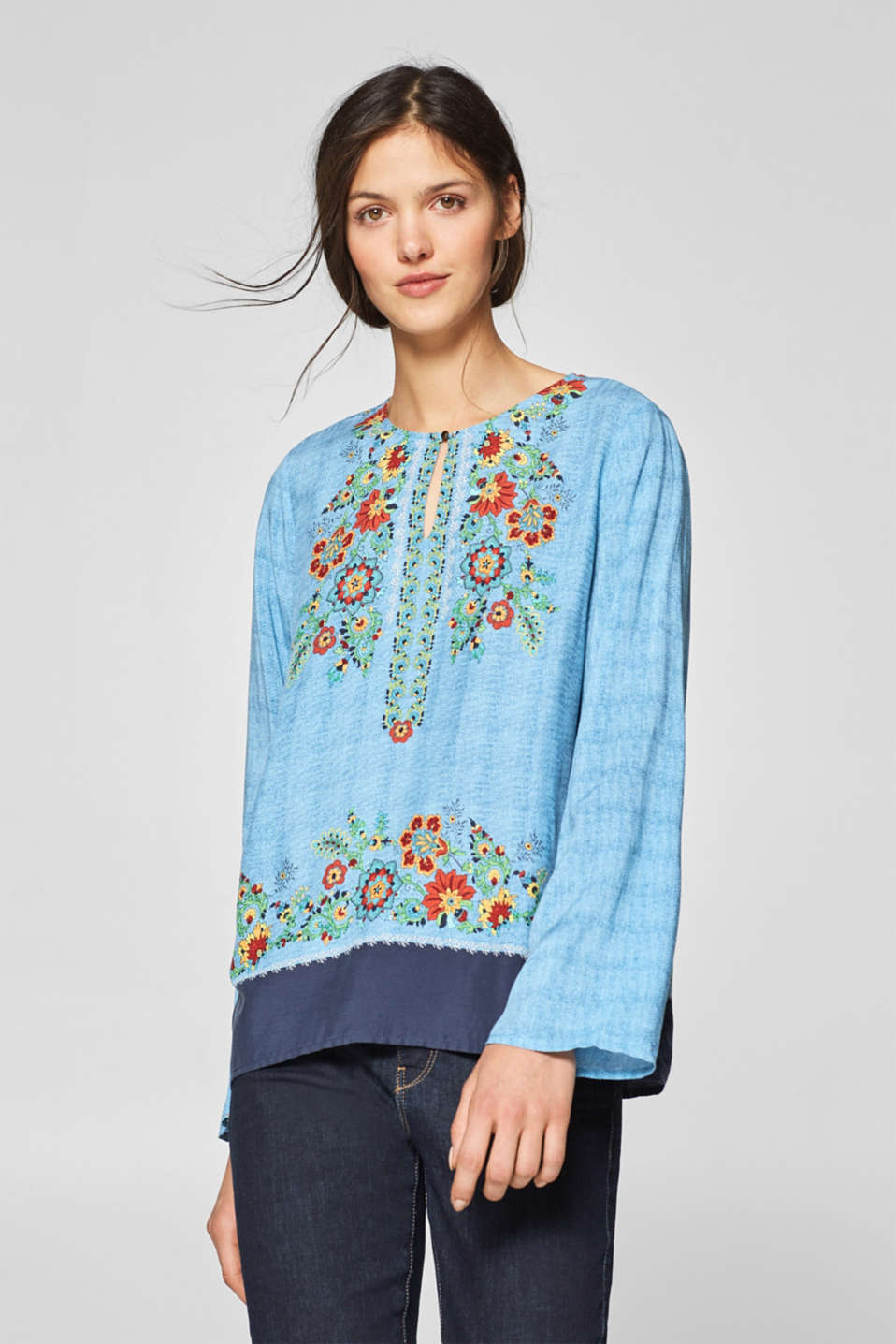 Esprit - Tunic blouse with a floral print