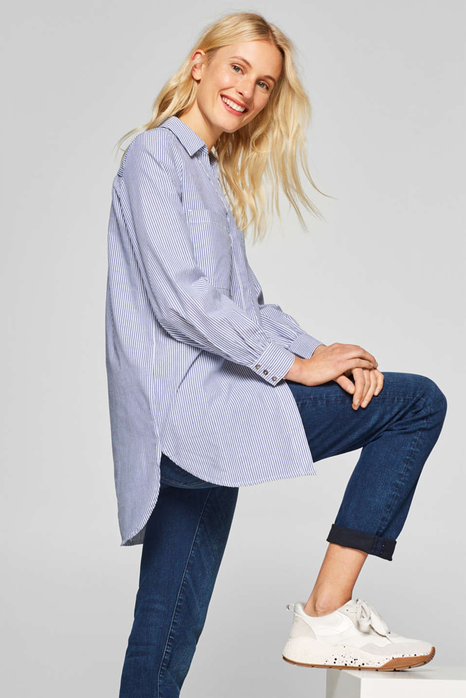 Esprit - Oversized shirt blouse with a striped pattern