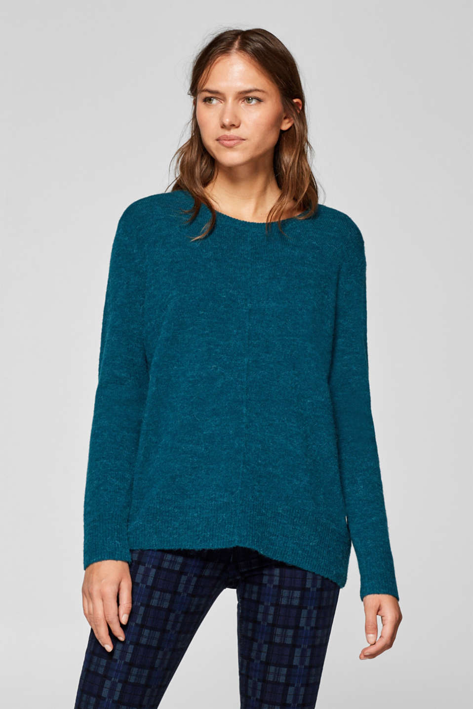 Esprit - With wool: jumper with an inside-out seam